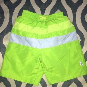 BOGO🌊🏊🏼♀️☀️I Play swim trunks w diaper SPF 50+